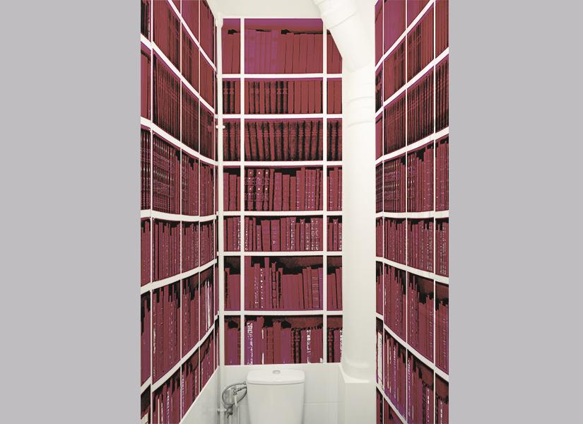 Papier peint Bibliotheque Fushia Toilette.jpg