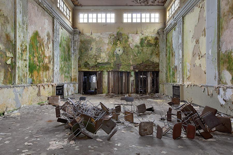 Papier-peint-Ohmywall-Julien-Cresp-wasteland-12.jpg
