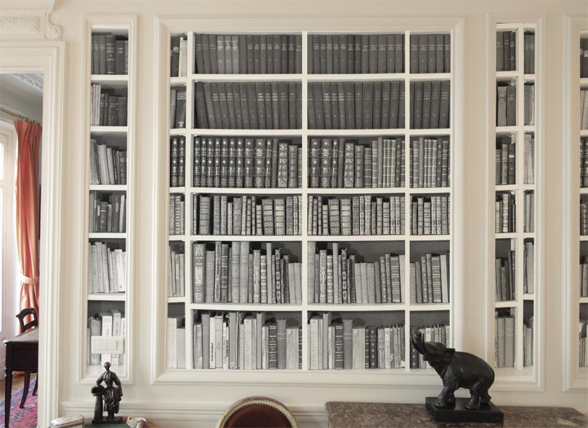 Papier peint Bibliotheque Noir et Blanc Moulure.jpg