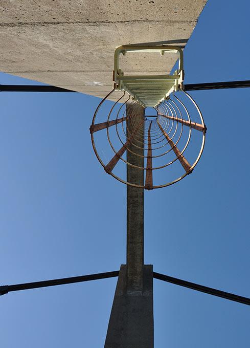 Ohmywall-photo-papier-peint-echelle-au-ciel.jpg